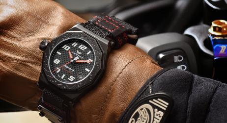 moto-r chronograph すべてのライダーに捧ぐ