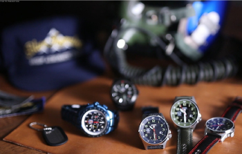 ブルーインパルス 自衛隊時計とは